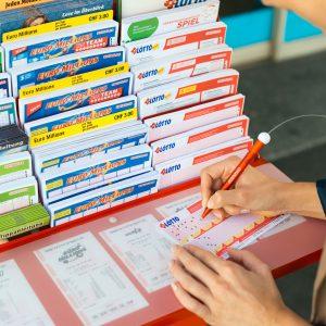 swiss-lotto-schein-ausfüllen-weitaufnahme